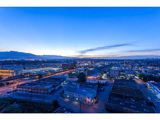 "Photo 2: 2107 1618 QUEBEC Street in Vancouver: Mount Pleasant VE Condo for sale in ""CENTRAL"" (Vancouver East)  : MLS®# V1142760"