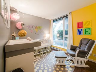 """Photo 12: 318 788 HAMILTON Street in Vancouver: Downtown VW Condo for sale in """"TV TOWER 1"""" (Vancouver West)  : MLS®# R2024487"""