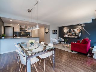 """Photo 1: 318 788 HAMILTON Street in Vancouver: Downtown VW Condo for sale in """"TV TOWER 1"""" (Vancouver West)  : MLS®# R2024487"""
