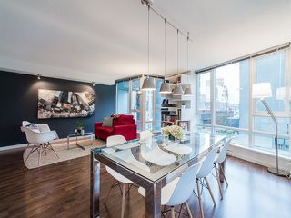 """Photo 5: 318 788 HAMILTON Street in Vancouver: Downtown VW Condo for sale in """"TV TOWER 1"""" (Vancouver West)  : MLS®# R2024487"""