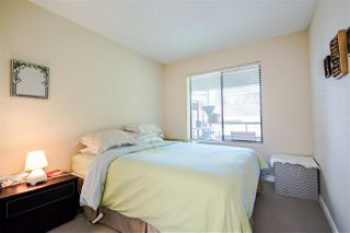 Photo 11: 301 1467 MARTIN Street: White Rock Condo for sale (South Surrey White Rock)  : MLS®# R2047854