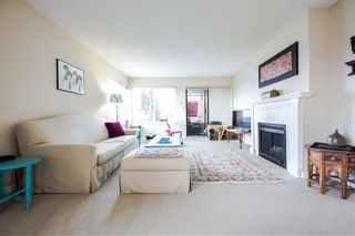 Photo 5: 301 1467 MARTIN Street: White Rock Condo for sale (South Surrey White Rock)  : MLS®# R2047854