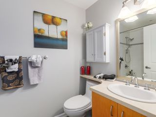 "Photo 12: 307 1551 FOSTER Street: White Rock Condo for sale in ""SUSSEX HOUSE"" (South Surrey White Rock)  : MLS®# R2087477"