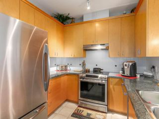 "Photo 7: 307 1551 FOSTER Street: White Rock Condo for sale in ""SUSSEX HOUSE"" (South Surrey White Rock)  : MLS®# R2087477"