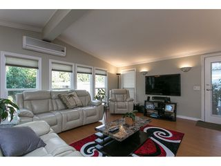 Photo 3: 93 2315 198 Street in Langley: Brookswood Langley Manufactured Home for sale : MLS®# R2102906