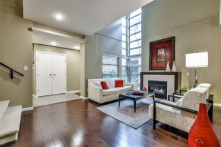 Photo 2: 2 3750 EDGEMONT BOULEVARD in North Vancouver: Edgemont Townhouse for sale : MLS®# R2152238