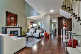 Photo 3: 2 3750 EDGEMONT BOULEVARD in North Vancouver: Edgemont Townhouse for sale : MLS®# R2152238