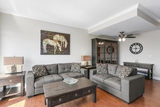 """Photo 2: 19 15030 58 Avenue in Surrey: Sullivan Station Townhouse for sale in """"SUMMER LEAF"""" : MLS®# R2186137"""