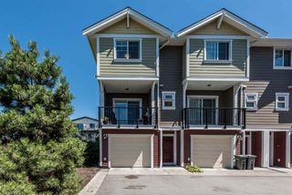 """Photo 1: 12 1111 EWEN Avenue in New Westminster: Queensborough Townhouse for sale in """"ENGLISH MEWS 2"""" : MLS®# R2192317"""