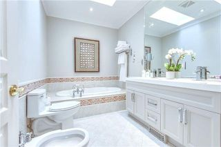 Photo 11: 28 Duggan Avenue in Toronto: Yonge-St. Clair House (2-Storey) for sale (Toronto C02)  : MLS®# C3931920
