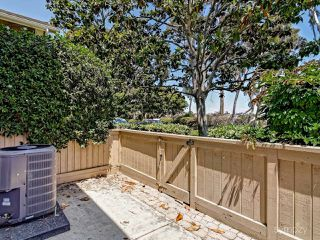 Photo 7: CARLSBAD WEST Townhome for sale : 2 bedrooms : 6995 Carnation Dr in Carlsbad
