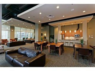 Photo 19: 306 101 MORRISSEY ROAD in Port Moody: Port Moody Centre Condo for sale : MLS®# R2241419