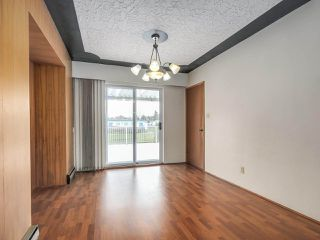 Photo 5: 7038 ELMHURST Drive in Vancouver: Fraserview VE House for sale (Vancouver East)  : MLS®# R2259485
