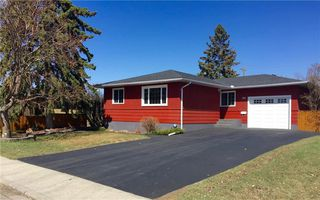 Main Photo: 132 SPRINGWOOD Drive SW in Calgary: Southwood House for sale : MLS®# C4181202
