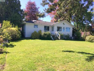 Photo 6: 8643 Lochside Dr in NORTH SAANICH: NS Bazan Bay Single Family Detached for sale (North Saanich)  : MLS®# 786921