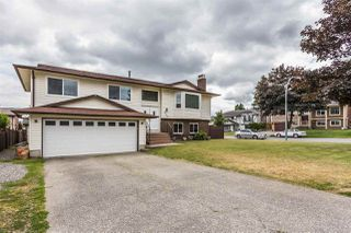 Photo 2: 3630 PERTH Street in Abbotsford: Abbotsford West House for sale : MLS®# R2273360