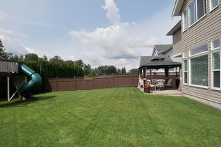 "Photo 18: 19420 HOFFMANN Way in Pitt Meadows: South Meadows House for sale in ""River's Edge"" : MLS®# R2273978"