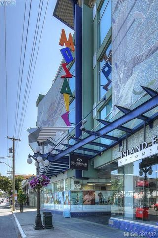 Photo 2: 212 1061 Fort St in VICTORIA: Vi Downtown Condo for sale (Victoria)  : MLS®# 794465