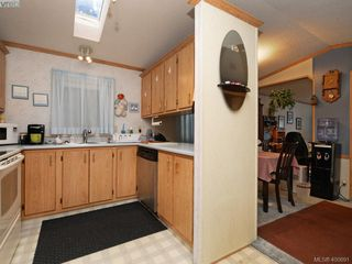 Photo 10: 21 1581 Middle Road in VICTORIA: VR Glentana Manu Single-Wide for sale (View Royal)  : MLS®# 400691
