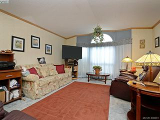 Photo 2: 21 1581 Middle Road in VICTORIA: VR Glentana Manu Single-Wide for sale (View Royal)  : MLS®# 400691