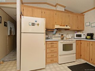Photo 9: 21 1581 Middle Road in VICTORIA: VR Glentana Manu Single-Wide for sale (View Royal)  : MLS®# 400691
