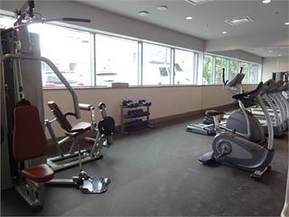 Photo 7: 502 150 W 15TH Street in North Vancouver: Central Lonsdale Condo for sale : MLS®# R2320881