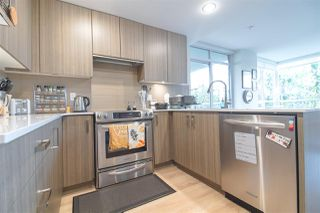 """Photo 2: 601 125 COLUMBIA Street in New Westminster: Downtown NW Condo for sale in """"NORTHBANK"""" : MLS®# R2322313"""