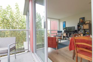 """Photo 11: 601 125 COLUMBIA Street in New Westminster: Downtown NW Condo for sale in """"NORTHBANK"""" : MLS®# R2322313"""
