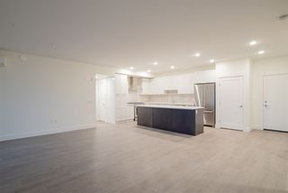 """Photo 10: 314 22087 49 Avenue in Langley: Murrayville Condo for sale in """"The Belmont"""" : MLS®# R2324797"""