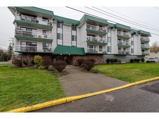 "Main Photo: 204 46374 MARGARET Avenue in Chilliwack: Chilliwack E Young-Yale Condo for sale in ""Mountainview"" : MLS®# R2328964"