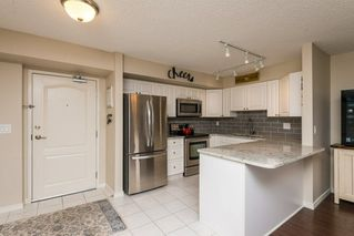 Photo 4: 1406 10909 103 Avenue in Edmonton: Zone 12 Condo for sale : MLS®# E4141578