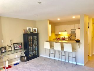 """Photo 2: 302 5855 COWRIE Street in Sechelt: Sechelt District Condo for sale in """"The Osprey"""" (Sunshine Coast)  : MLS®# R2342333"""