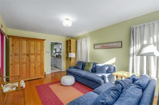 Photo 4: 2011 VENABLES Street in Vancouver: Hastings House for sale (Vancouver East)  : MLS®# R2342560
