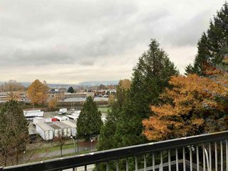 "Photo 5: 724 774 GREAT NORTHERN Way in Vancouver: Mount Pleasant VE Condo for sale in ""PACIFIC TERRACES"" (Vancouver East)  : MLS®# R2352100"