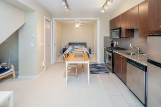 """Photo 4: 25 1863 WESBROOK Mall in Vancouver: University VW Townhouse for sale in """"ESSE"""" (Vancouver West)  : MLS®# R2354071"""