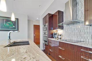Photo 5: 2604 11969 JASPER Avenue NW in Edmonton: Zone 12 Condo for sale : MLS®# E4154964
