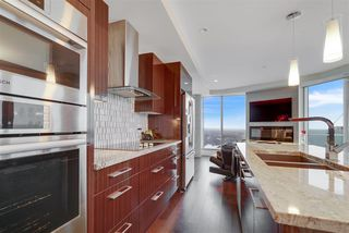 Photo 6: 2604 11969 JASPER Avenue NW in Edmonton: Zone 12 Condo for sale : MLS®# E4154964