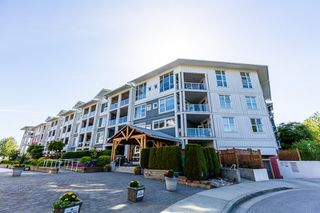 Photo 2: 305 4500 WESTWATER Drive in Richmond: Steveston South Condo for sale : MLS®# R2375581