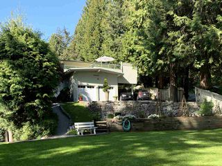 Photo 2: 5360 BROOKSIDE Avenue in West Vancouver: Caulfeild House for sale : MLS®# R2380841