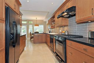 """Photo 10: 4 5239 OAKMOUNT Crescent in Burnaby: Oaklands Townhouse for sale in """"DEER LAKE ESTATES in The Oaklands"""" (Burnaby South)  : MLS®# R2387606"""