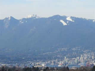 """Photo 6: 1304 E 36TH Avenue in Vancouver: Knight House for sale in """"KENSINGTON"""" (Vancouver East)  : MLS®# R2389998"""