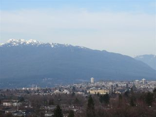 """Photo 8: 1304 E 36TH Avenue in Vancouver: Knight House for sale in """"KENSINGTON"""" (Vancouver East)  : MLS®# R2389998"""