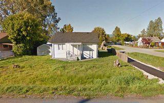 Photo 2: 12669 113 Avenue in Surrey: Bridgeview House for sale (North Surrey)  : MLS®# R2400134