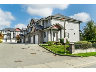 Photo 2: 27 31235 UPPER MACLURE Road in Abbotsford: Abbotsford West Townhouse for sale : MLS®# R2408483