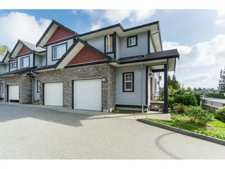 Photo 1: 27 31235 UPPER MACLURE Road in Abbotsford: Abbotsford West Townhouse for sale : MLS®# R2408483