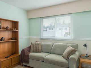 Photo 9: 4229 GLENHAVEN Crescent in North Vancouver: Dollarton House for sale : MLS®# R2465673
