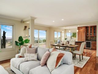 Photo 7: LA JOLLA House for sale : 3 bedrooms : 883 Candlelight Place