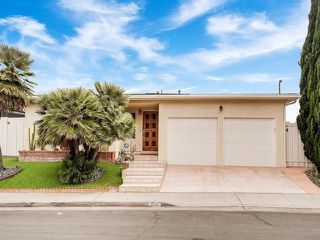 Photo 6: LA JOLLA House for sale : 3 bedrooms : 883 Candlelight Place