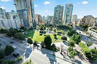 "Photo 19: 805 1199 SEYMOUR Street in Vancouver: Downtown VW Condo for sale in ""BRAVA"" (Vancouver West)  : MLS®# R2490228"