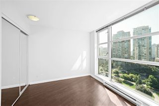 "Photo 13: 805 1199 SEYMOUR Street in Vancouver: Downtown VW Condo for sale in ""BRAVA"" (Vancouver West)  : MLS®# R2490228"